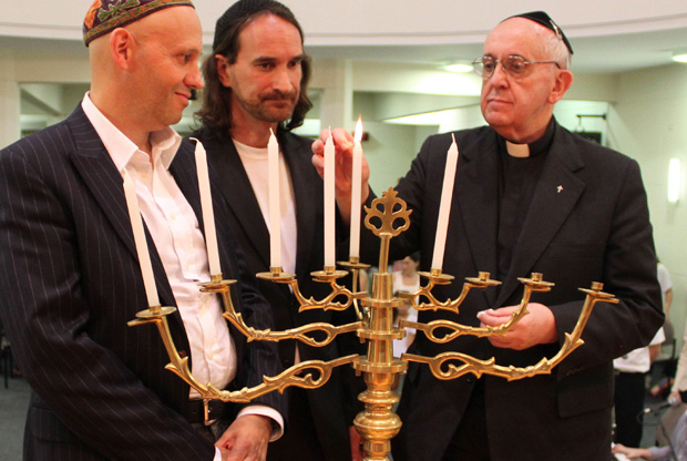 Pope Francis (here Cardinal  Bergoglio) with a Jewish community in Argentina