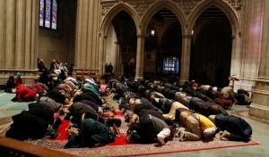 Muslims praying in Washington National Cathedral in D.C.